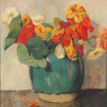 Olieverf van Ina Hooft, voorstellende een stilleven met een groe grijze aardewerken pot met een oOostindische kers. Op de grond een gevallen oranje bloemblaadje.