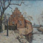 Olieverf van Edzard Koning, voorstellende het poorthuis aan het Damsterdiep te Groningen. Aan de linkerzijde een lantaarn en boom. Op de voorgrond liggen balen met goederen. Van deze voorstelling is ook een aquarel gemaakt.